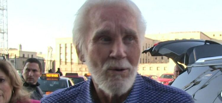 kenny-rogers-estate-sues-longtime-friend-over-farewell-tour-dvd