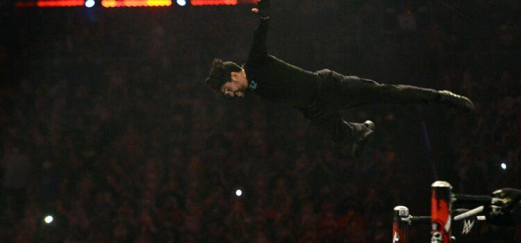 bad-bunny-shocks-wwe-crowd-in-impressive-wrestlemania-debut